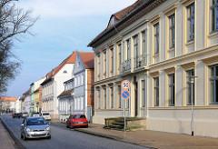 Kassizistische Architektur in der Kanalstrasse in Ludwigslust.