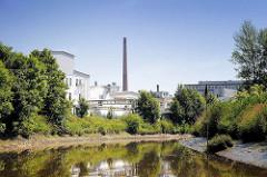 Industriearchitektur an der Pinnau in Uetersen, Kreis Pinneberg.