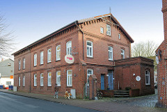 Industriearchitektur in Uetersen - ehem. Brauerei in der Kuhlenstrasse;  Backsteinarchitektur / Ziegelgebäude Ende des 19. Jahrhunderts.