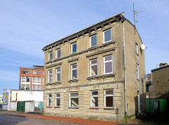 Leerstehendes Gründerzeitgebäude in Elmshorn - historische Architektur.