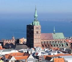 St. Nikolaikirche in der Hansestadt Stralsund - erstmals 1276 urkundlich erwähnt.