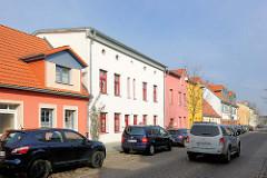 Wohnhäuser mit farbiger Fassade - Fotos aus Demmin.