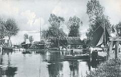 Historisches Bild vom Hafen der Stadt Demmin an der Peene - Segelschiffe, Fischkutter am Ufer.