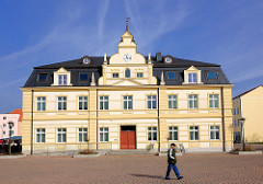 Rathaus der Hansestadt Demmin - Barockgebäude, 1945 abgebrannt - 1997 Neubau.