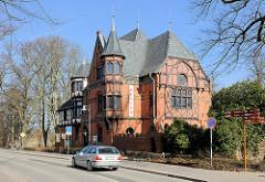 Möckelhaus - Doberaner Heimatmuseum, erbaut 1888 von Gotthilf Ludwig Möckel, Baustil der Neogotik.