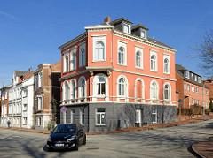 Wohnhäuser unterschiedlicher Baustile - Architektur in Itzehoe.