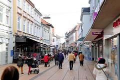 Einkaufsstrasse / Königsstrasse in Elmshorn; Fussgängerzone - Shopping.