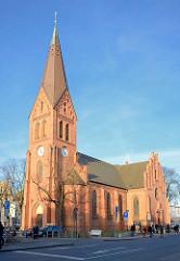 Kirche von Warnemünde - neogotischer Backsteinbau, 1871 fertig gestellt.