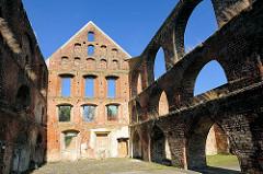 Ruine Wirtschaftsgebäude Kloster Bad Doberan - erbaut 1280, gotische Backsteinarchitektur.