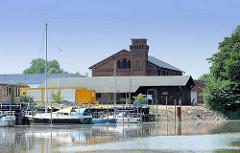 Sportboothafen Elmshorn vor dem Bau der Klappbrücke über die Krückau.