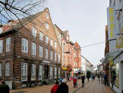 Historisches Gebäude, Backsteinarchitektur in der Königsstrasse / Elmshorn; Möhringsche Haus, erbaut 1780.