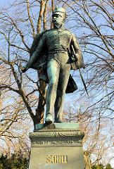 Bronzeskulptur / Denkmal des preussischen Offiziers Ferdinand von Schill, eingeweiht 1907.