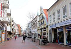 Fussgängerzone - Einkaufspassage Sandberg in Elmshorn; Einzelhandelsgebäude.