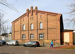 Backsteinarchitektur - Schulgebäude in der Hansestadt Demmin, Mecklenburg-Vorpommern.