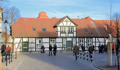 Historische Fachwerkarchitektur - Wohnhaus in der Alexandrinenstrasse im Seebad Warnemünde.