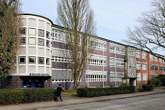 Sogen. Blaue Schule, ehem. Realschule am Propstenfeld - errichtet 1931 - Bauhausarchitektur.