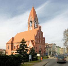 Katholische Maria Rosenkranz Kirche; erbaut 1915 - Architekt Josef Welz; neugotische Architektur.