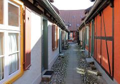Gasse im Heiligengeisthospital / Heiliggeistkloster in der Hansestadt Stralsund. Das Hospital wird 1256 erstmalig erwähnt.