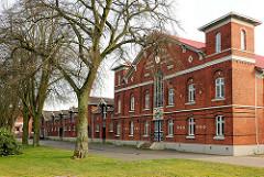 Historische Ziegelarchitektur vom Gebäude des  Reit- und Fahrschule in Elmshorn; das Backsteingebäude wurde 1895 errichtet und steht unter Denkmalschutz.