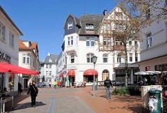 Fussgänzerzone in Rendsburg - Geschäfte am Stegen / Nienstadtstrasse.