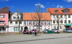 Historische und neue Architektur - Wohnbebauung am Schlossplatz in Rendsburg.