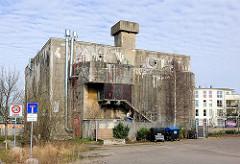 Bunker der Neptunwerft, Werftbunker - jetzt Freeclimbing Anlage / Kletteranlage in Rostock.
