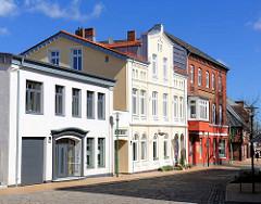 Unterschiedliche Architekturstile / Bauformen - historische Wohnhäuser / Gewerbegebäude in Rendsburg.