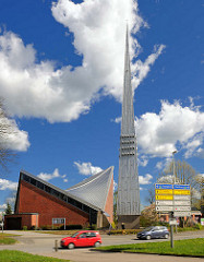 Moderne Kirchenarchitektur - Kirche St. Martin in Rendsburg.