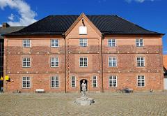 Historisches Gebäude ARSENAL in Rendsburg; erbaut von 1697 / 1740 als Magazin für Waffen und Ausrüstung.