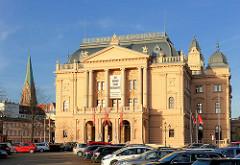 Mecklenburgisches Staatstheater Schwerin - Neorenaissance, Bauzeit 1883 - 1886 - Architekt  Hofbaumeister Georg Adolf Demmler.