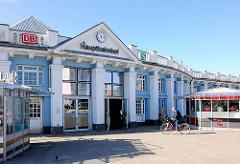 Eingang Nordseite, historischer Hauptbahnhof Hansestadt Rostock - erbaut 1886.