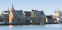 Ehem. Speichergebäude am Rostocker Stadthafen - Umnutzung zu Bürogebäuden - Verwaltunsgebäuden.
