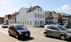 Historische Gebäude in der Rendsburger Altstadt -  Wohnhäuser an der Eisenbahnstrasse / Schleuskuhle.