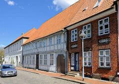 Historische Wohnhäuser in der Königinstrasse von Rendsburg - Denkmalschutz.