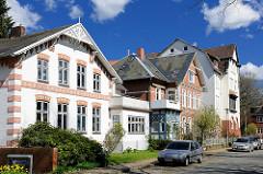 Einstöckige Wohnhäuser - Wohnstrasse in Rendsburg / Gründerzeitarchitektur, Stadtvilla.