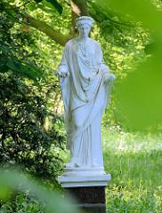 Gartenskulptur Flora im Eutiner Schlossgarten