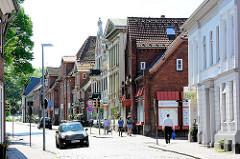 Lübecker Strasse in Eutin - Hausfassaden in unterschiedlichen Architketurstilrichtungen.