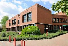 Moderne Architektur der 1980er Jahre - Amtsgericht in Plön.