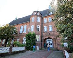 Eingang der Johann Heinrich Voss Schule in Eutin;