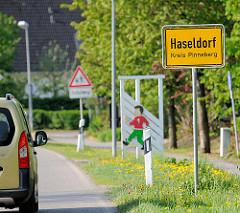 Ortsschild Haseldorf, Kreis Pinneberg.