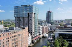Luftaufnahme, Blick in den Bahnhofskanal - Bürogebäude in Hamburg Harburg.