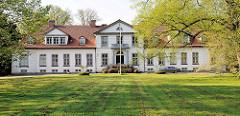 Haseldorfer Herrenhaus - erbaut 1804 - Architekt Landbaumeister Christian Frederik Hansen.