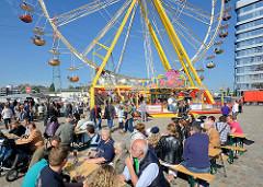 Hafenfest in Harburg - Kanalplatz im Harburger Hafen; Riesenrad.