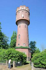 Backsteinturm / Wasserturm in Eutin; erbaut 1909 - 38m hoch; ein Wasserbehälter mit dem Volumen von 250 000 Litern.