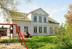Ehem. Pastorat der Trinitatiskirche in Neuendorf - jetzt Kindergarten.