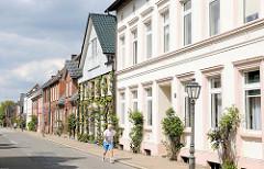 Einstöckige Wohnhäuser - historischer Architekturstil; Johannisstrasse / Plön.
