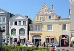 Historisch Hausfassaden - Wohnhäuser, Geschäftshäuser am Marktplatz von Eutin.