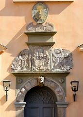 Sonnenuhr - Eutiner Schloss.