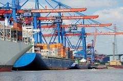 Containerschiffe am Container Terminal Altenwerder im Hamburger Hafen.