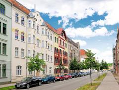 Restaurierte Wohnhäuser - Baustil Historismus; Architekturfotografien aus Wittenberge, Brandenburg.